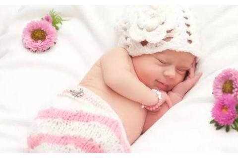 """儿童摄影套路多:未满月宝宝被""""拍""""进医院,宝妈这些要多留意"""