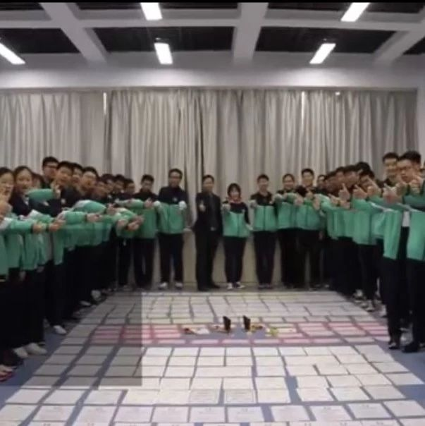 这群河南师生火了!高三物理老师带60名学生搞发明拿200多个奖项