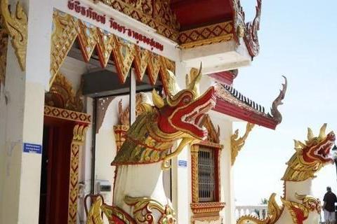 世界上最霸气的寺庙,高达17米高的巨龙盘绕,却被否定旅游景点?
