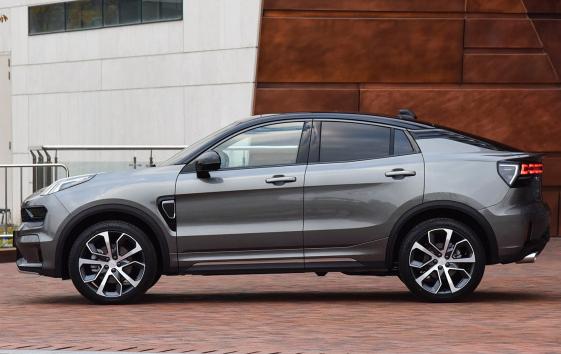 吉利放大招!新款SUV似宝马X4,轴距2.8米,2.0T动力看齐哈弗H9