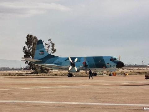 伊朗战机飞越美国海军宙斯盾战舰,40年前服役,仍找不到替代品