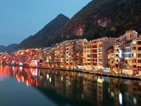 中国最受游客欢迎的省份,年接待游客数十亿,却不是四川和云南