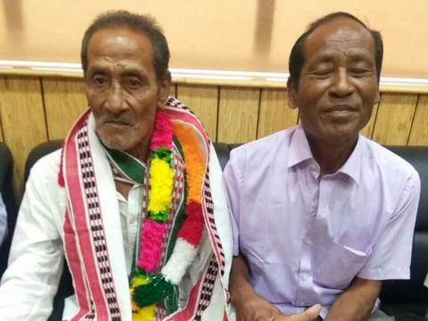印度一男子失踪了40年 家人发现他时他已成街边卖唱的网红