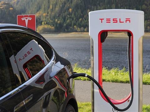 充电时间减少一半!特斯拉V3超级充电桩年底来中国