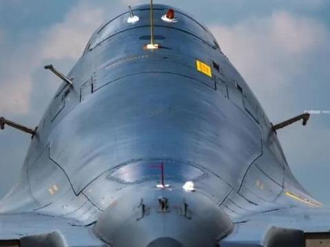 苏-30MKK战机高清图,歼-16的前辈,曾经我军最强的多用途战机