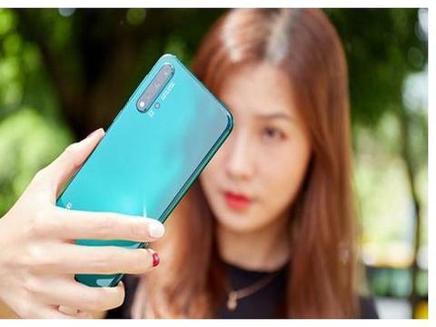 又一国产女性手机崛起,总销量稳超美图,ov兄弟倍感压力!