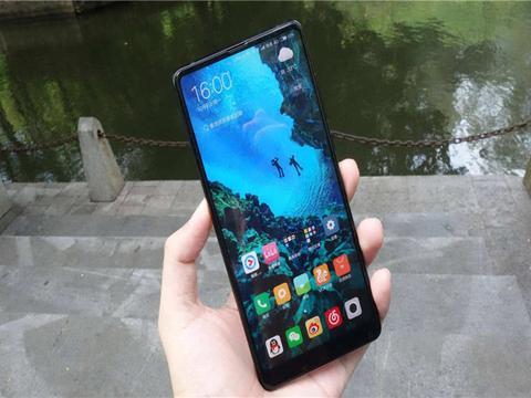 小米小屏手机来袭,被称为雷军的得意之作,现在入手还能再战2年