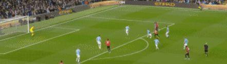 2-0!曼联28分钟内连入两球 曼城遭遇挑战!弗格森开心地笑了