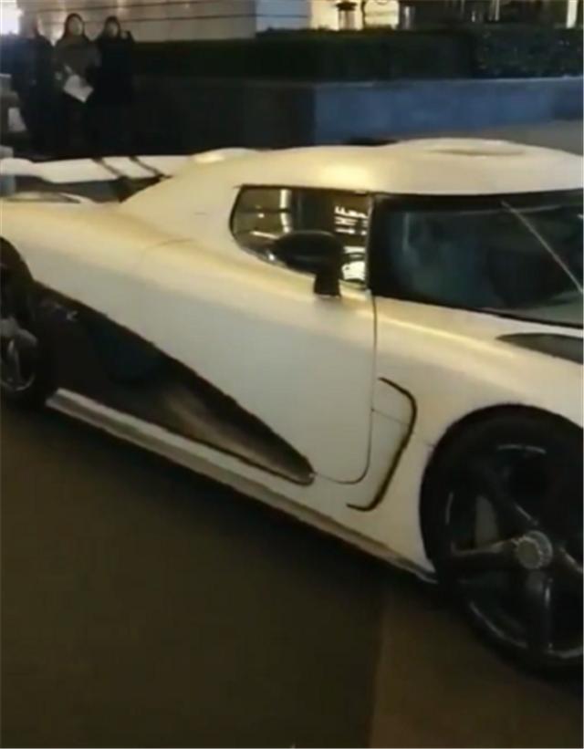 沪C牌柯尼塞格,车被转手3次,当年落地价3000万,今贬值1700万