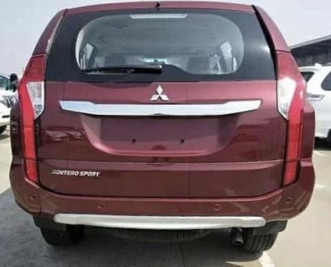 搭载3.0升发动机,新款帕杰罗劲畅红色版到港实拍,售价27.98万起