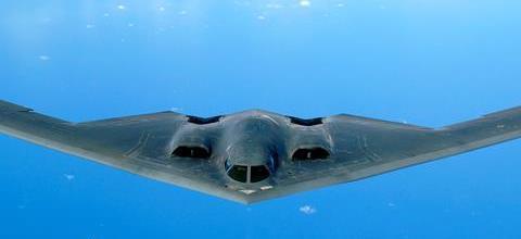 航程,载弹量和精准性的完美结合,世界唯一的B-2隐形轰炸机