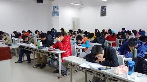 大一期末考试成绩至关重要,对这些方面影响重大,同学们加油啊