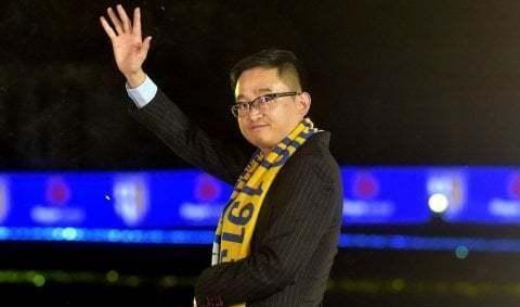 中超颁奖:欠薪的重庆斯威获两大奖,蒋立章的足球帝国还会继续