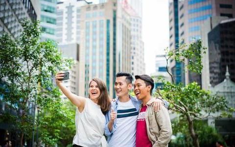 在当下很多学生喜欢出国留学?并非国外有多好,更多是无奈选择