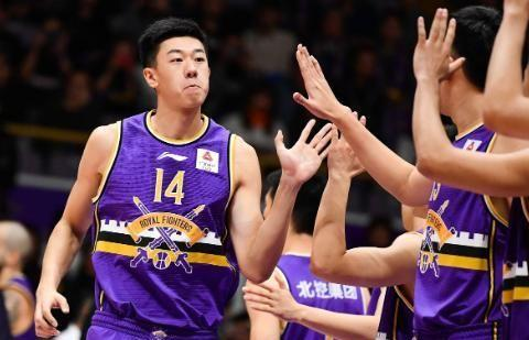 赵泰隆冤枉!CBA裁判报告出炉,上海绝杀青岛罚球属严重错判
