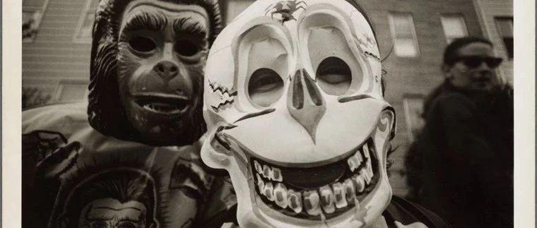 老照片  70年代美国纽约过万圣节的小孩