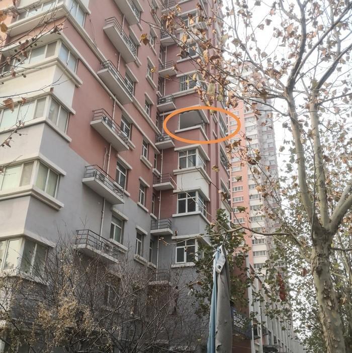 突发!济南一小区疑似天然气爆炸,一男子被炸出6楼窗外!