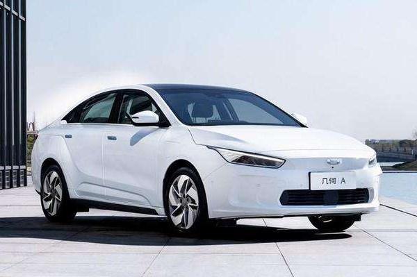 特斯拉进入推荐目录;比亚迪11月销量再下滑;SK新建电池工厂