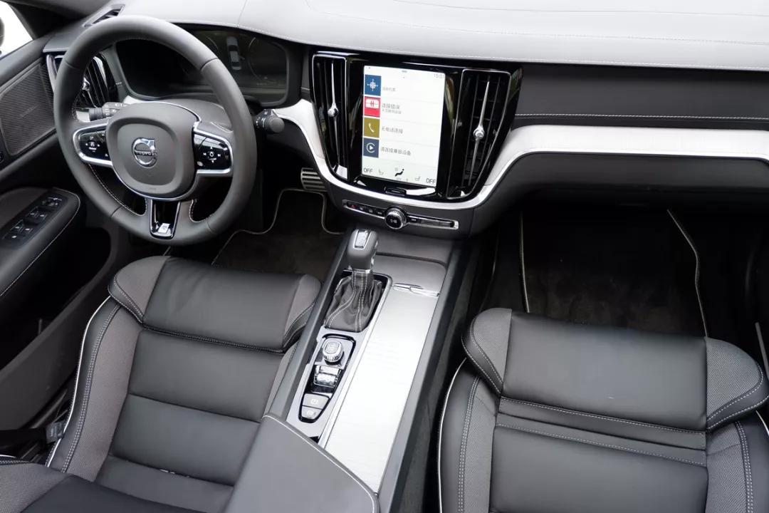 新能源12月的狂欢,迈腾GTE来袭,爱驰U5中欧同步上市