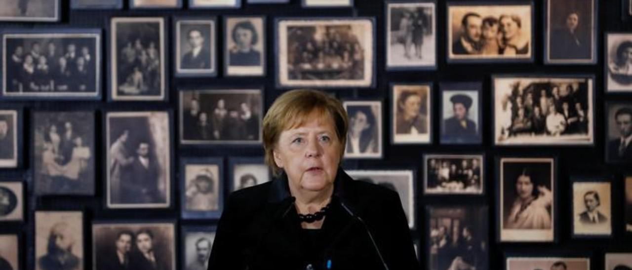 """默克尔首访问奥斯维辛集中营 承诺""""德国永远负有责任"""""""