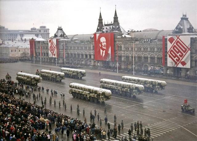 强势警告北约,俄军试射陆基洲际导弹,成功命中目标