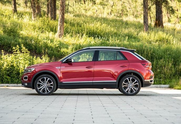 10万级紧凑型SUV对对碰,第二代传祺GS4对比大众探歌