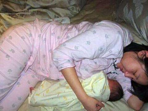 """儿子12岁还未断奶,母亲一天被""""折腾""""3次,医生:问题出在大人"""