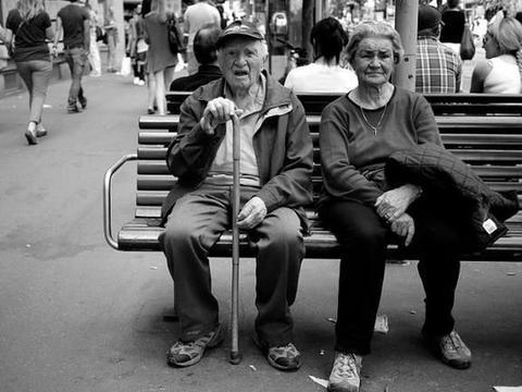 斯坦福大学科学家发现衰老涉及三个不同的转折点