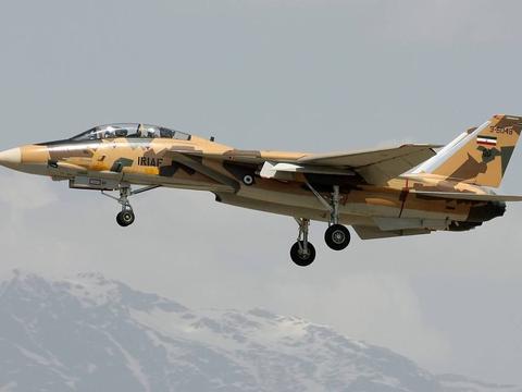 伊朗爆出多种先进武器装备,美国还能坐得住?现在该做出抉择了