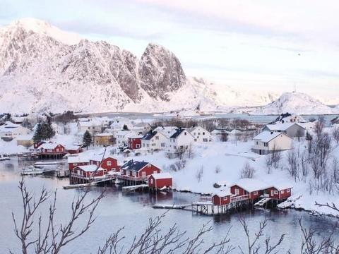 """欧洲最美小镇,拥有""""午夜太阳""""奇观,美成了明信片"""