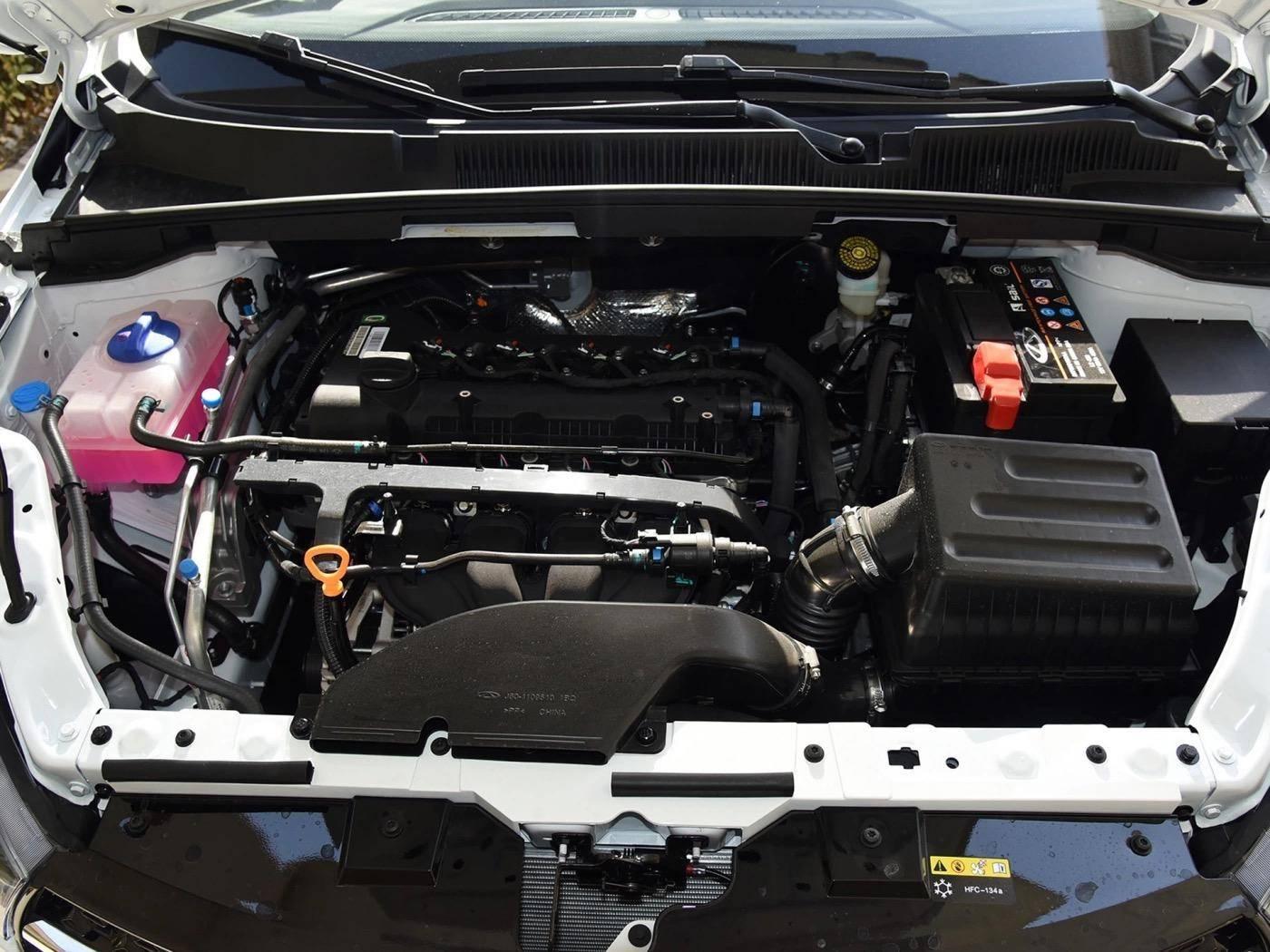 大厂出品起价不足5万,轴距近2米7,标配两气囊+胎压显示