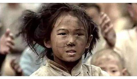 古代闹饥荒,百姓为何宁可啃树皮,也不下河捕鱼,难道这不能吃?