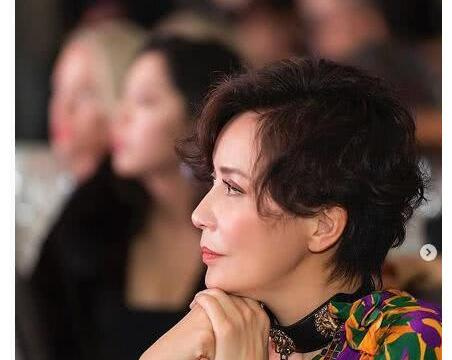 刘德华晒同框自拍照为刘嘉玲庆生,生图比梁朝伟的精修图还要美
