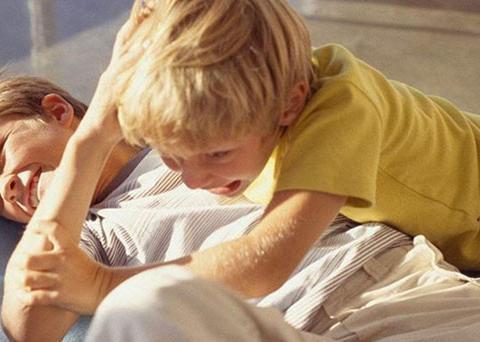孩子在外被欺负了,比打回去更聪明的做法是这4种,父母应该知道