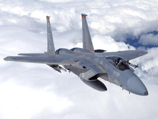 美军向阿联酋基地增派26架F-15战斗机,隐形战机却不见踪影