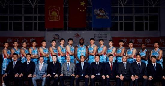 2019CBA联赛常规赛新疆伊力特主场比赛,见证胜利降临的那一刻