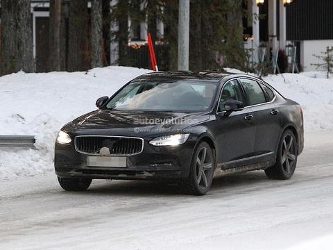 外观小幅升级/动力升级 沃尔沃S90冬季测试谍照曝光