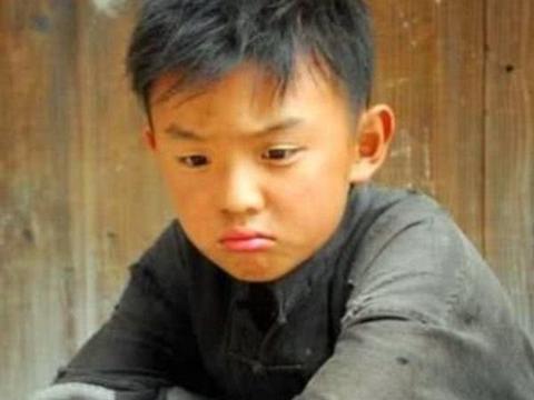 他童星出道12年始终不红,被嘲易烊千玺都带不动今却帅得让人后悔