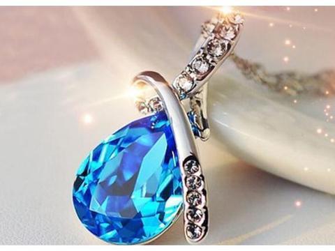 心理测试:第一眼你看中了哪款宝石项链?测你婚后在婆家地位怎样