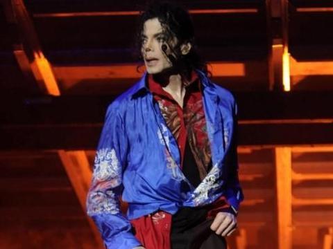 迈克尔杰克逊:天王的生活,最富有而又最孤独