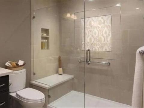 越来越多人淋浴房里装这个东西,实用方便又安全,真后悔才发现