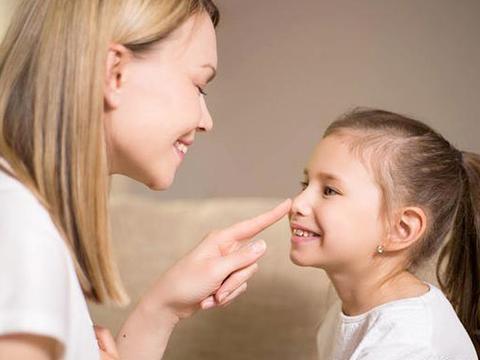 孩子对父母依赖性强,教育孩子要加强沟通不溺爱,鼓励担当不退缩