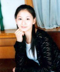 同样是赵本山的小姨子,从事影视没火却干成老总,本山徒弟敬佩