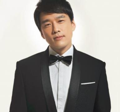 雅痞大叔王耀庆晒视频,颠覆以往冷面形象