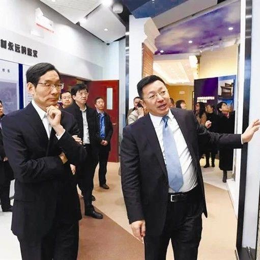 中国建材集团董事长周育先一行赴北新建材调研