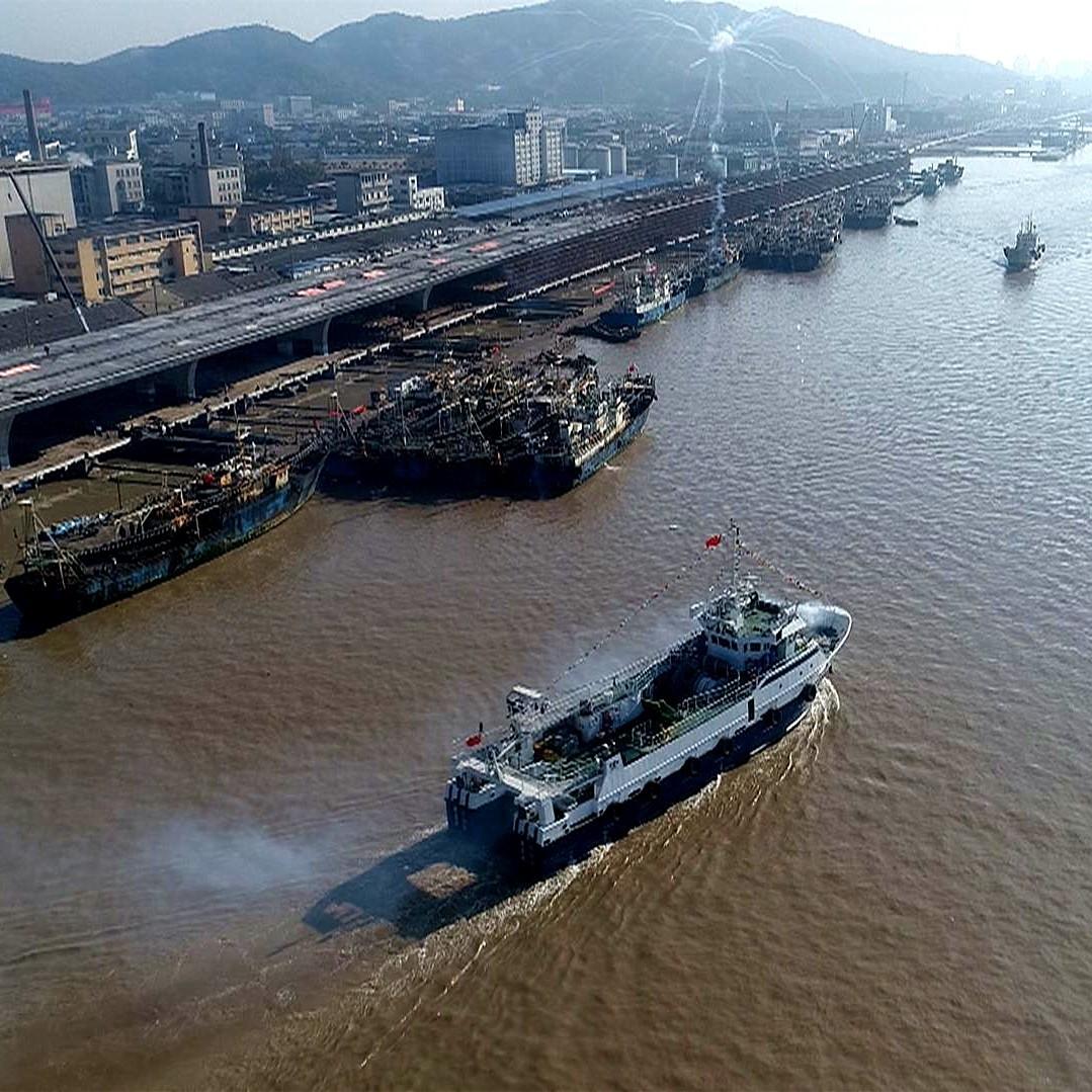 启航!舟山8艘拖网新船首赴摩洛哥
