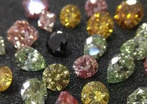 中国兵工企业携多款人造钻石亮相中国国际珠宝展