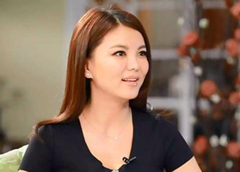 因事业破产遭李湘提出离婚,多年后,李厚霖只送她15个字