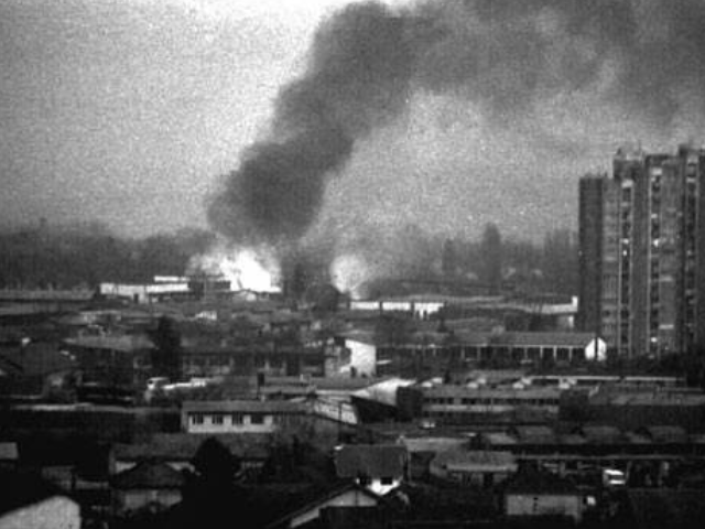 南斯拉夫大使馆被炸,当时我国为何不反击?20年后才明白其中深意
