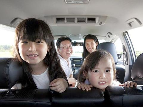 """父母是孩子的第一任老师,要培养孩子""""打招呼"""",学习人际交往"""